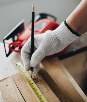 Carpenter contractors hire